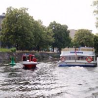 Rettungsboot der DLRG-Berlin auf dem Weg zum Karneval der Kulturen
